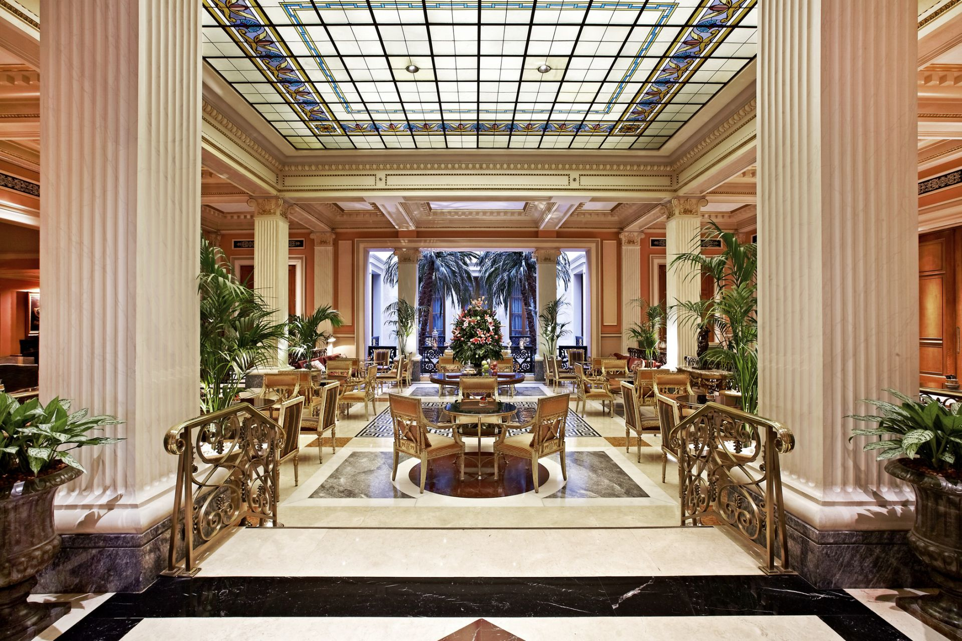 Hotel Grande Bretagne A Luxury Collection Athens Photo Gallery Exterior View Lobby Alexander Bar S Cigar Lounge Winter Garden